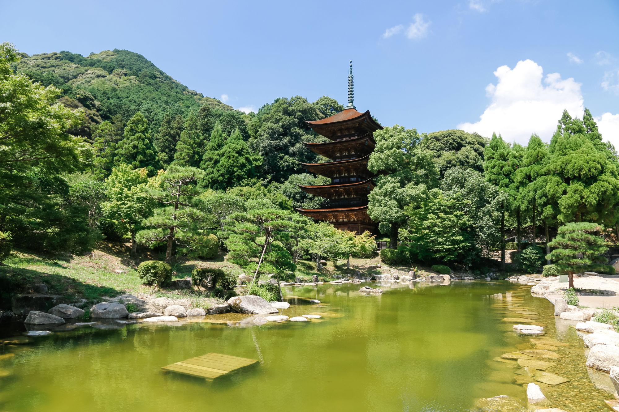 瑠璃光寺の五重塔