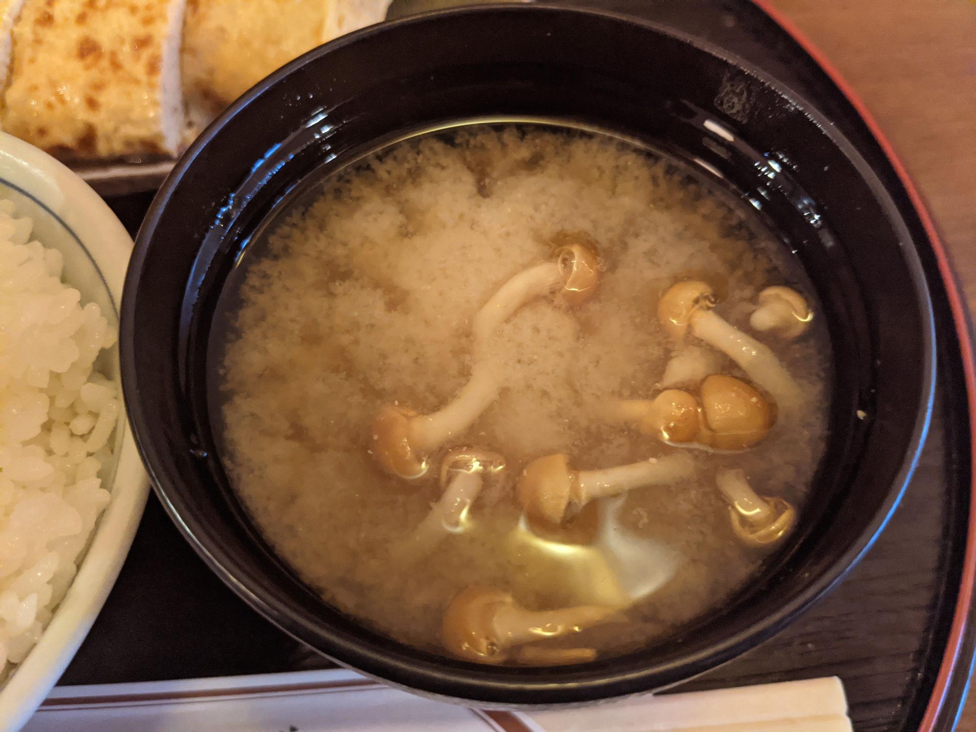 なめこのお味噌汁(なめこ汁)