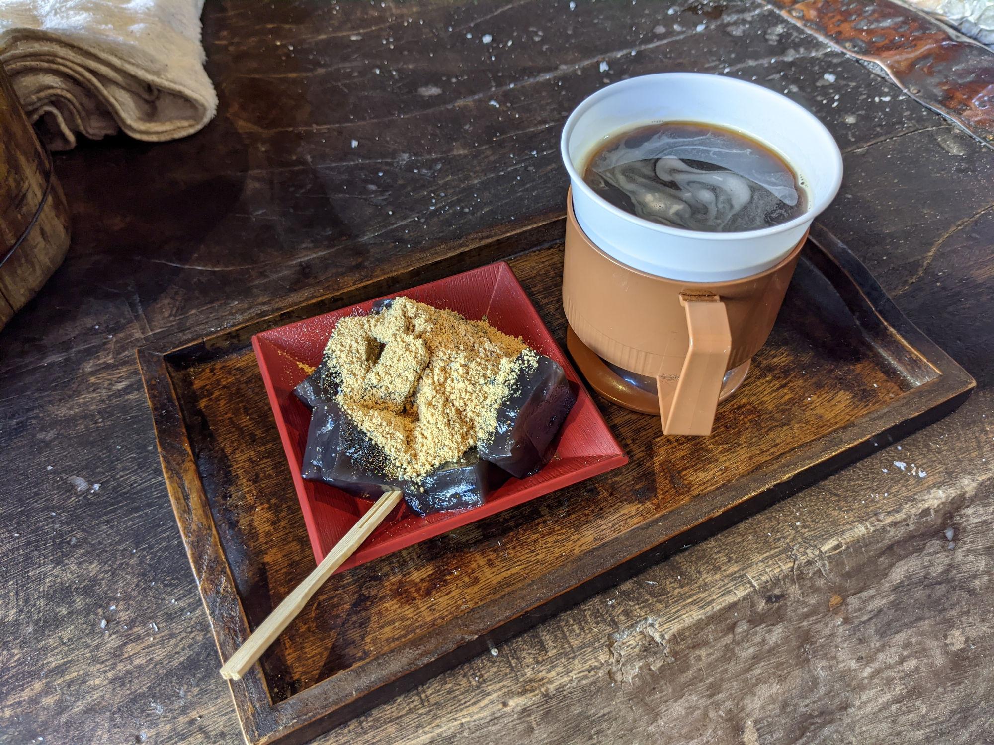 コーヒーとわらび餅