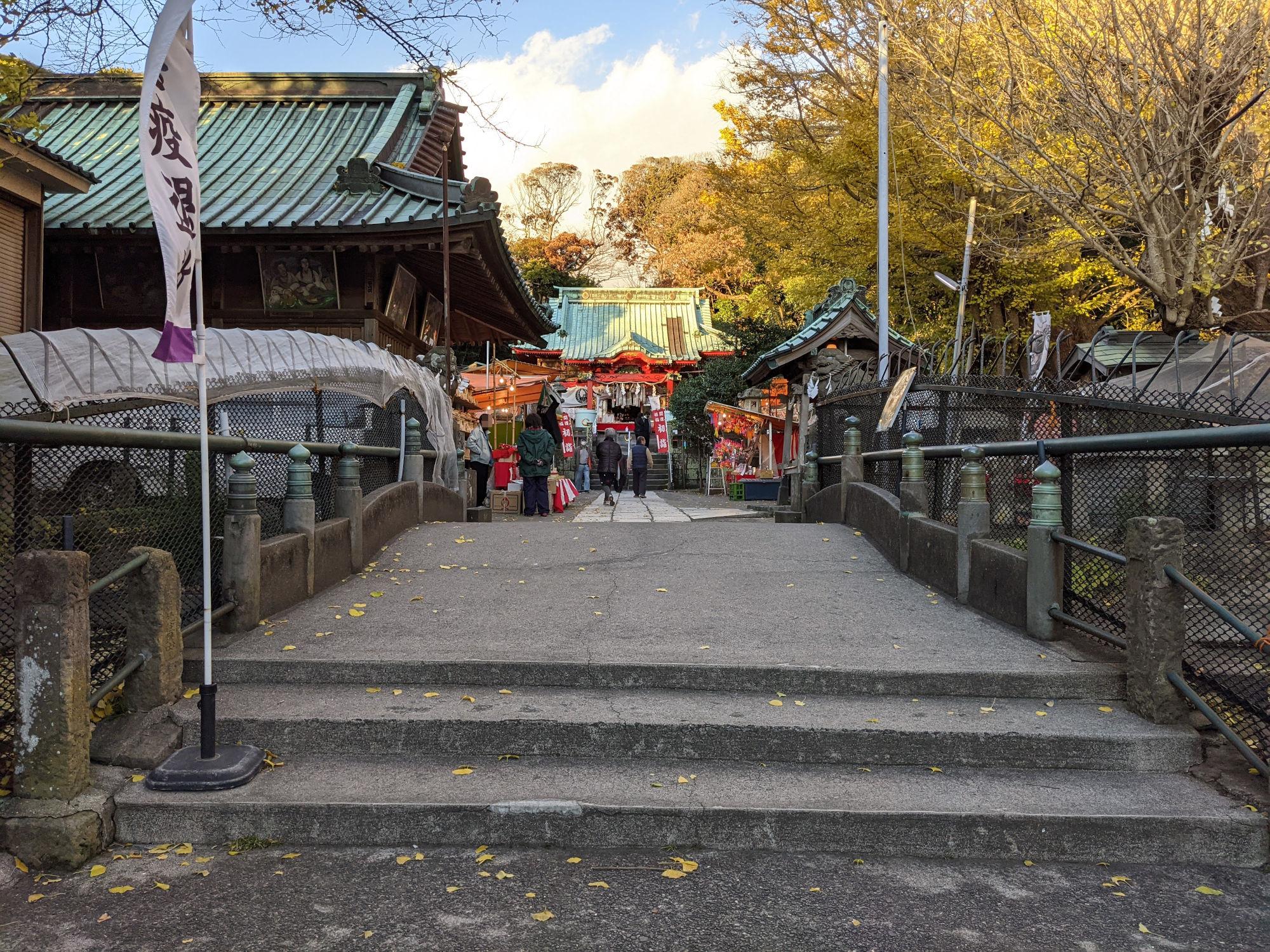 三崎港近くの海南神社