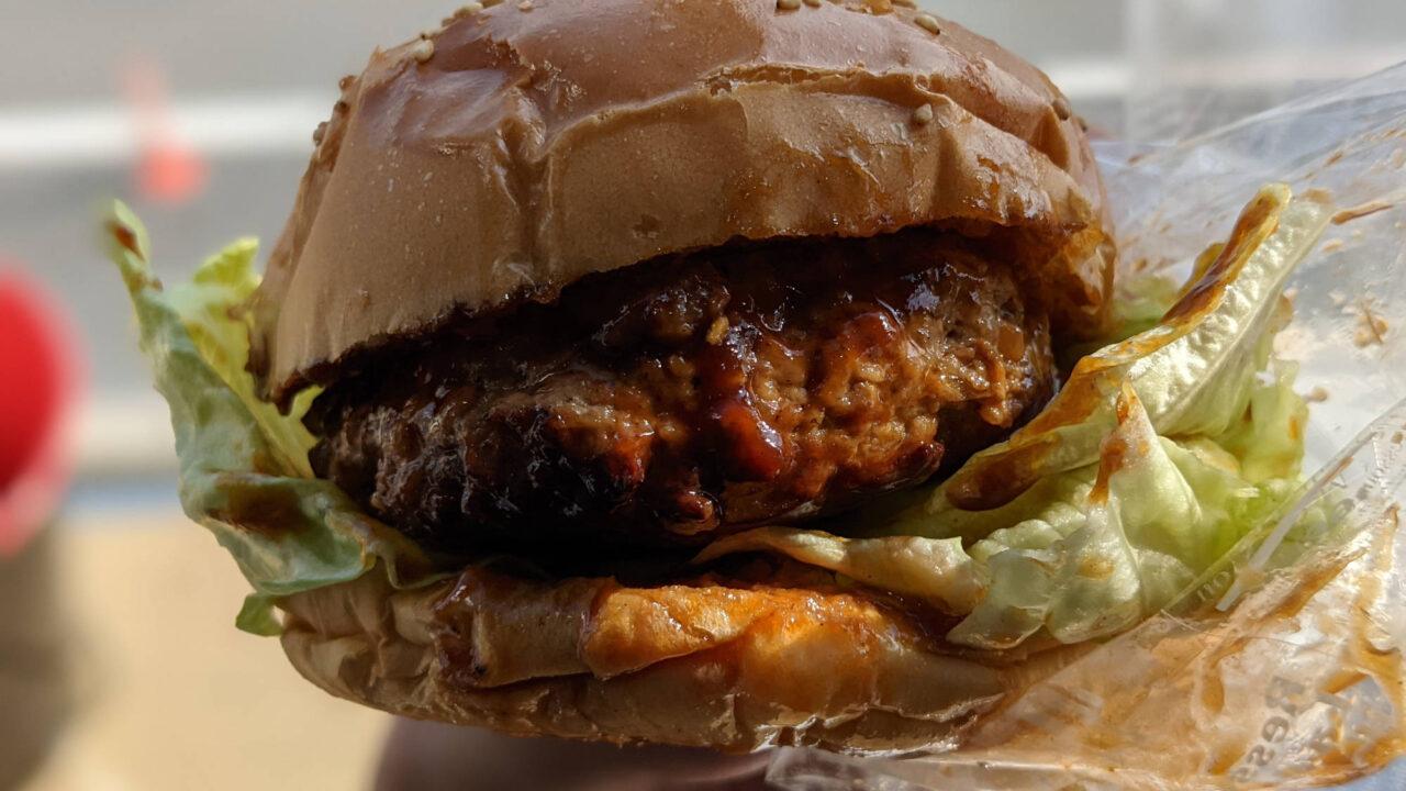 大洗海の家manoManoの「常陸牛ハンバーガー」