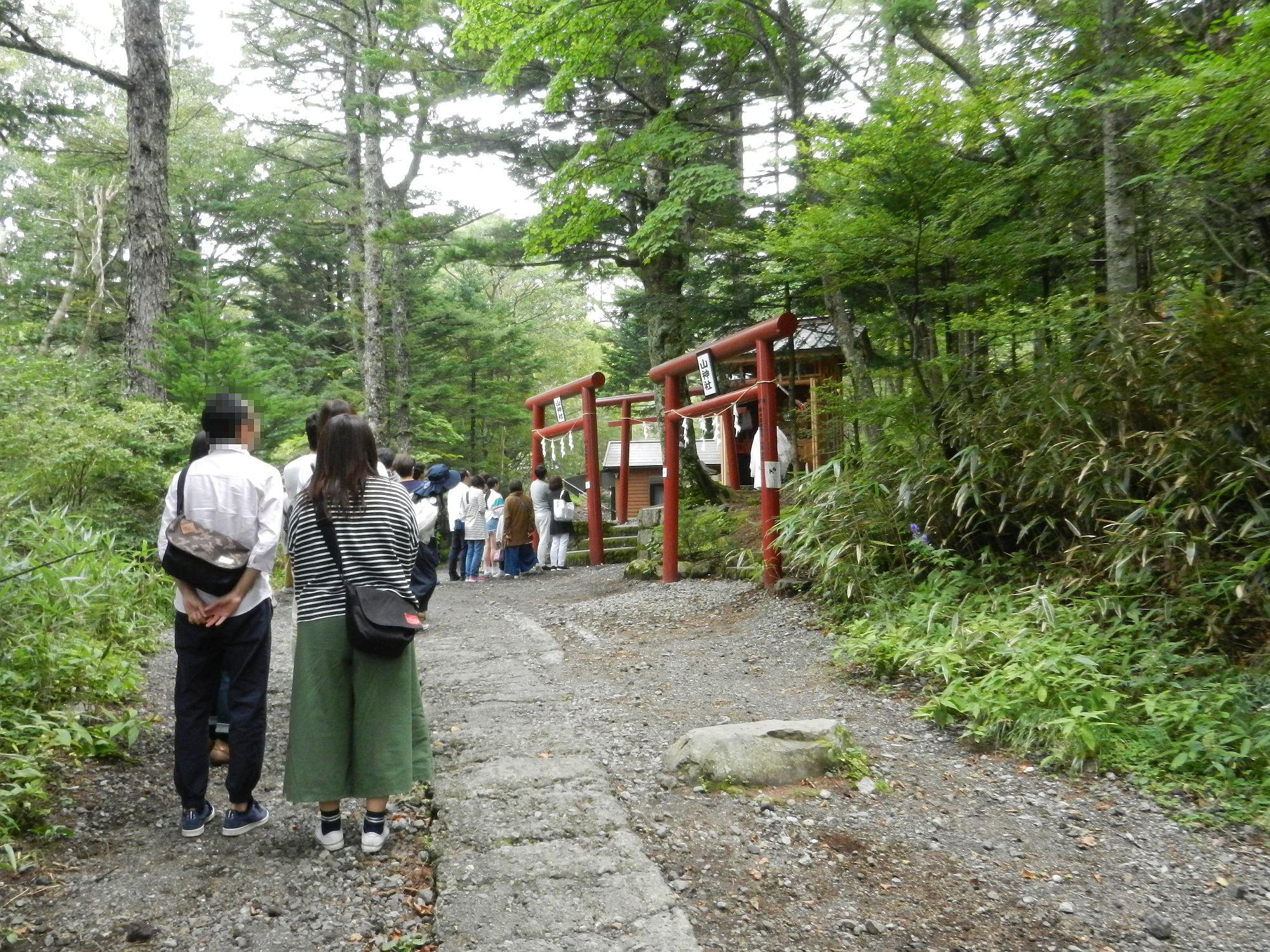 新屋山神社の奥宮