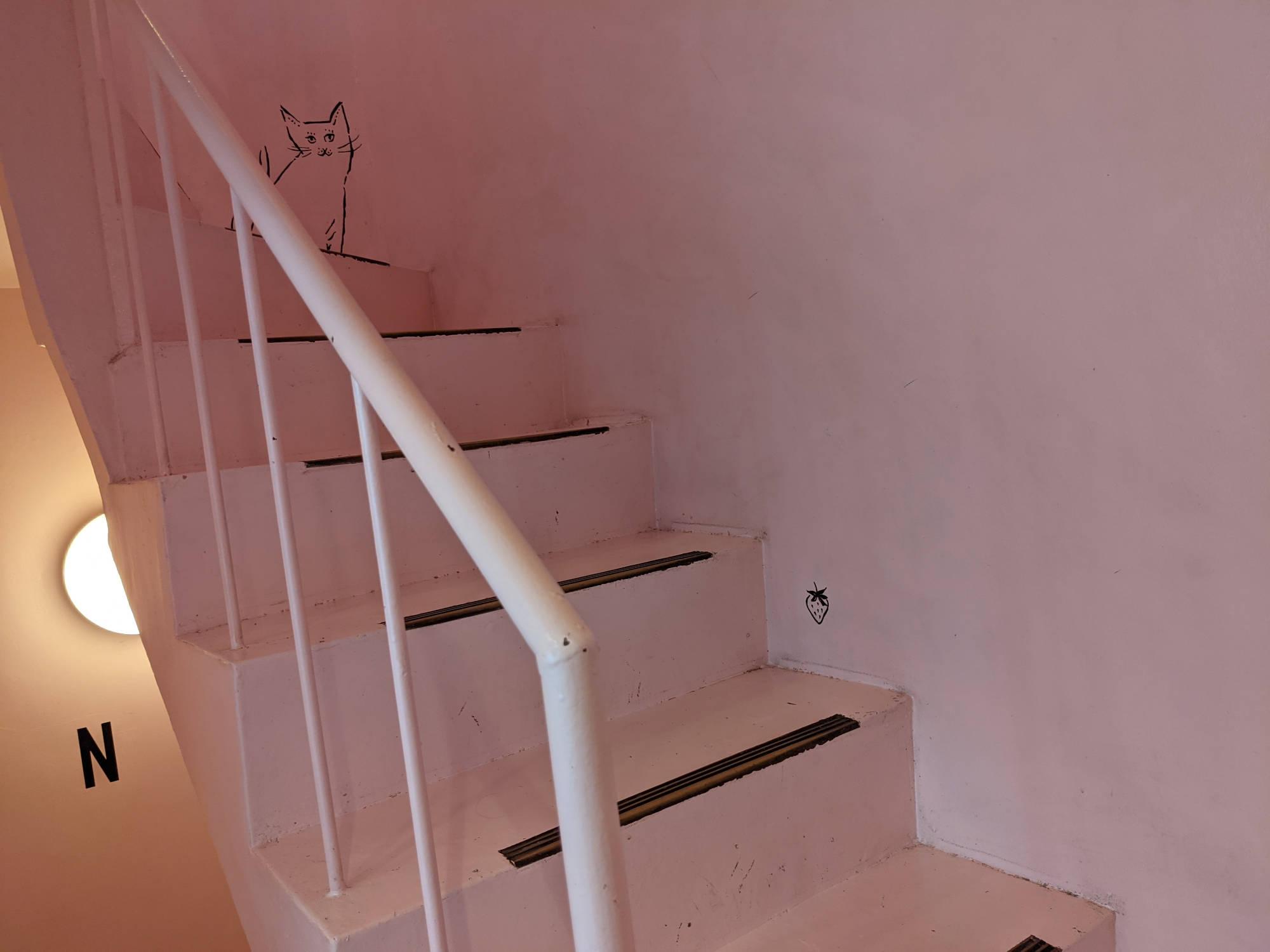 いちごBonBonBerry熱海ハウスの階段