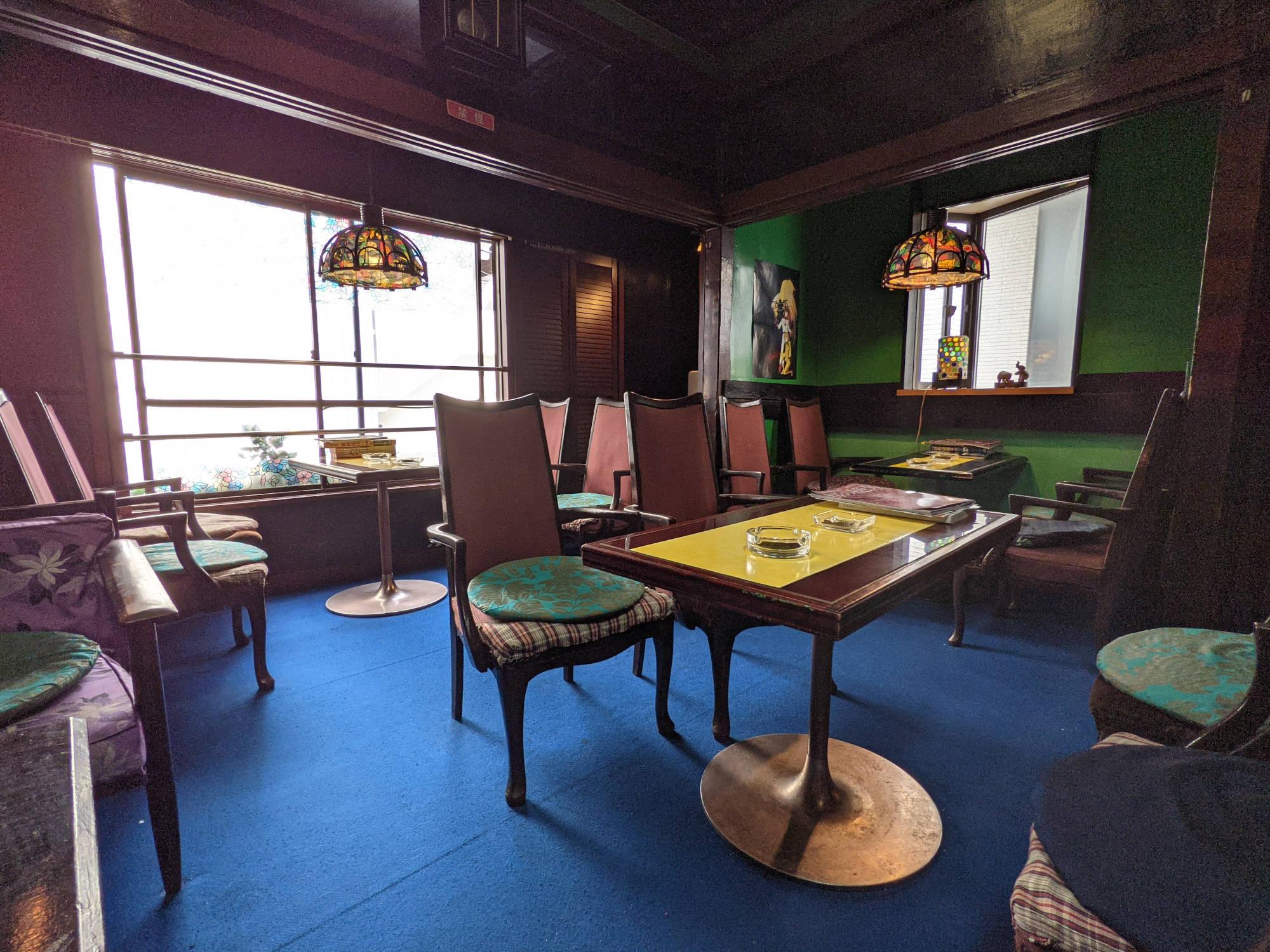喫茶セブンの2階(喫煙室)