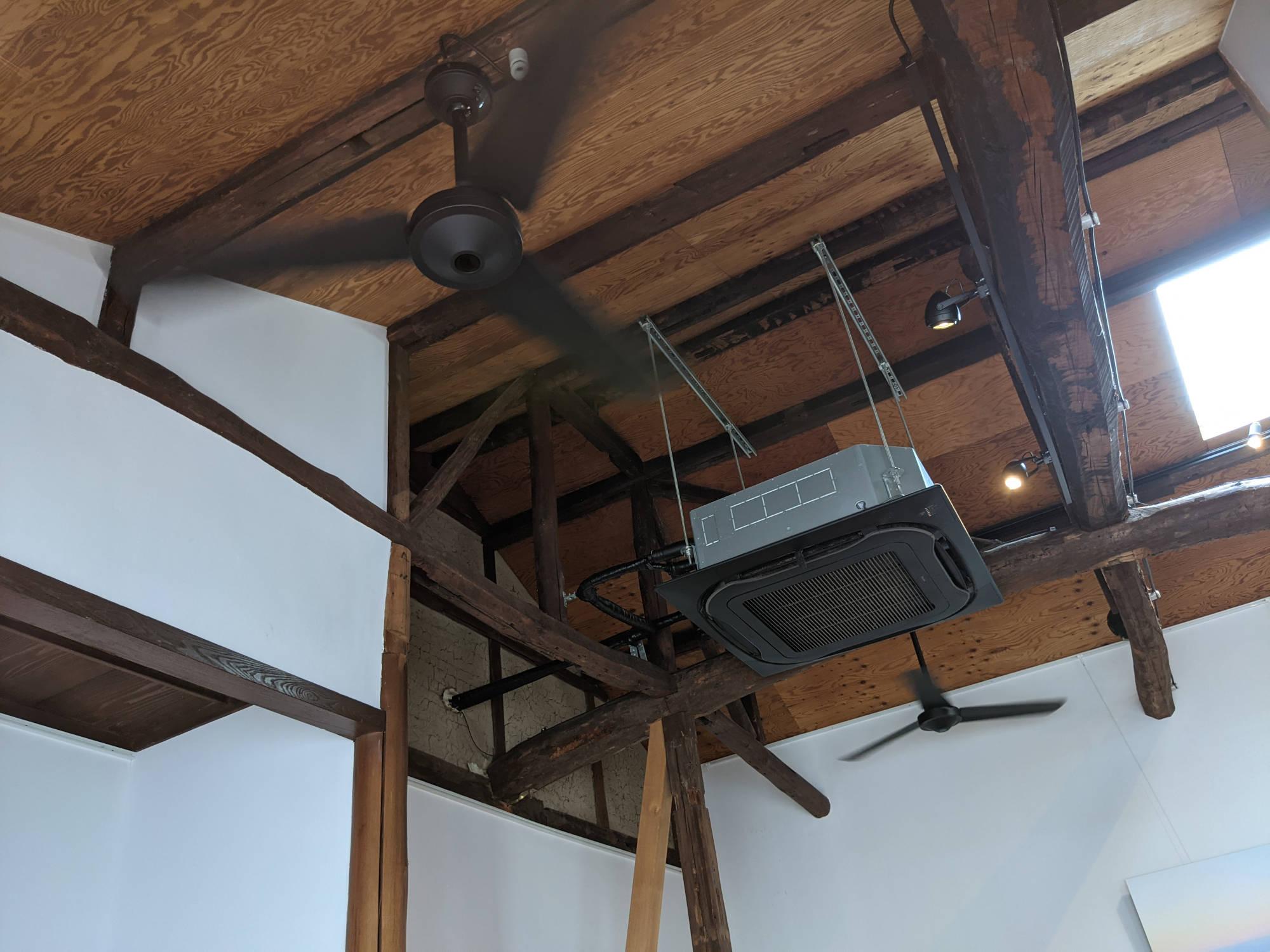 「cafe recette 鎌倉」の天井