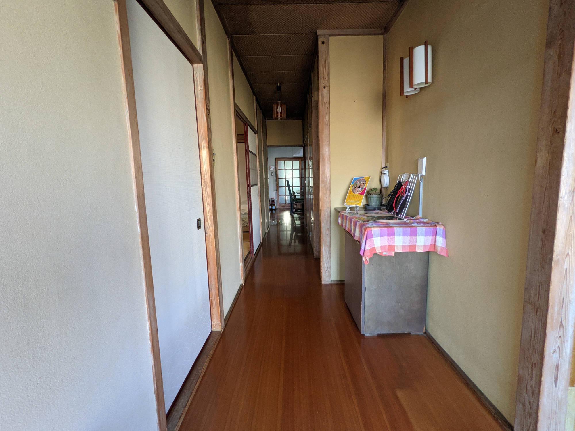 鶴巻温泉A邸の玄関