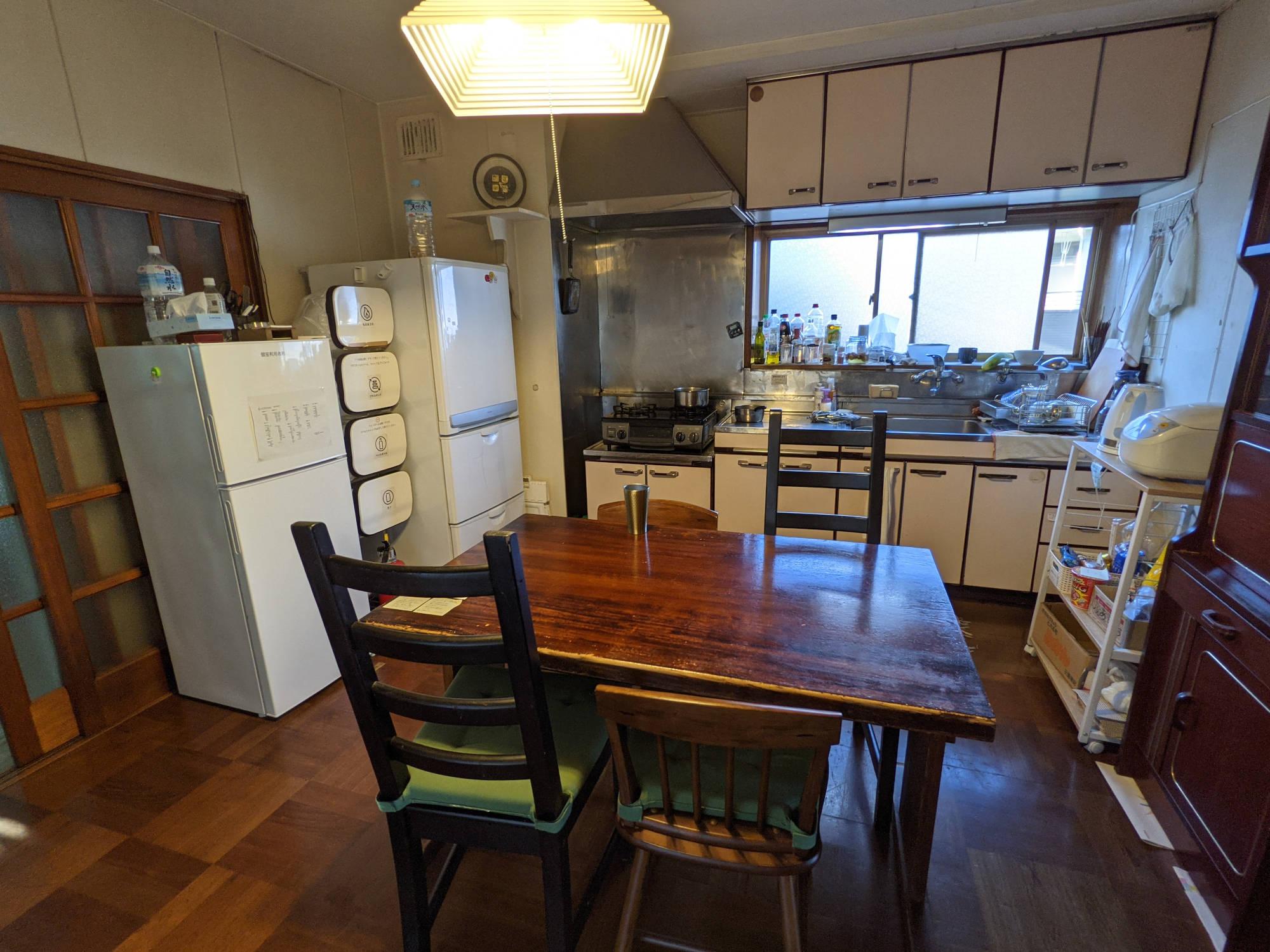 鶴巻温泉A邸の台所