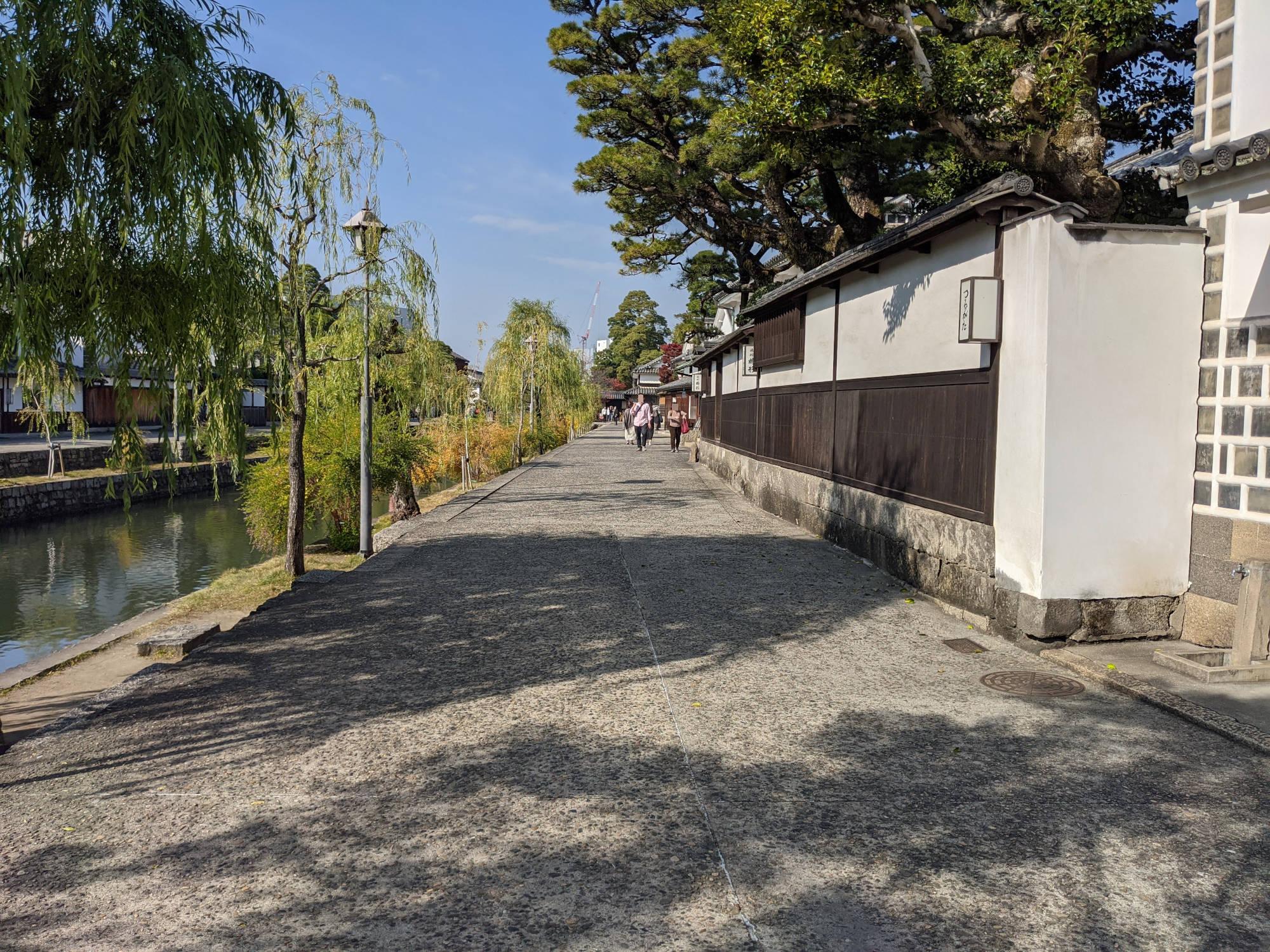 倉敷川沿い